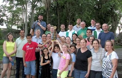 Seminário Dom Alberto recebe imagem peregrina de Nossa Senhora Aparecida