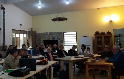 Escola prepara candidatos ao Diaconado