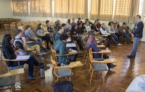 Os jovens, a fé e o discernimento vocacional
