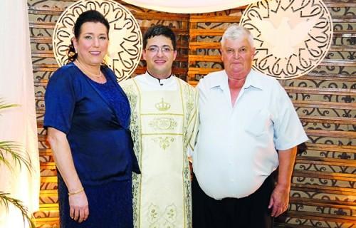 Diácono Rodrigo Hillesheim será ordenado padre em Santa Cruz do Sul