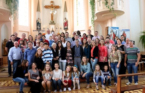 Padre Roni Osvaldo Fengler celebra Jubileu de Prata