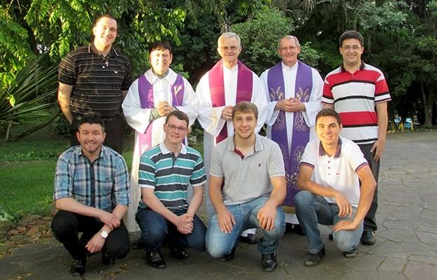 Seminário Dom Alberto recebe visita do Bispo Dom Aloísio