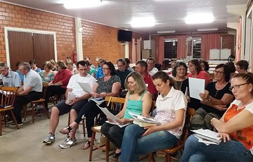 Paróquia de Linha Santa Cruz encaminha decisões da Assembleia Diocesana