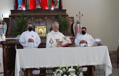 Empossado novo Pároco, Padre Lucas Del Osbel e Apresentação do Diácono Giovane Gonçalves na Paróquia Santa Bárbara de Encruzilhada