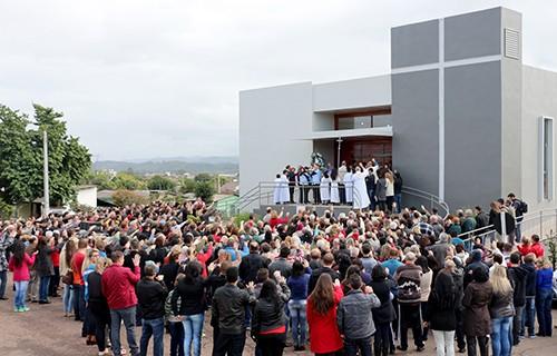 Comunidade Nossa Senhora Rainha, em Venâncio Aires, inaugura nova igreja