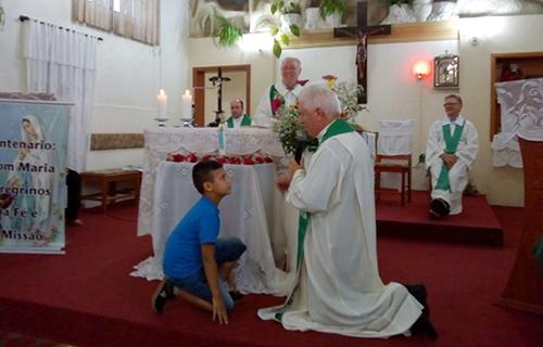 Pe. Eleutério assume paróquia de Monte Alverne